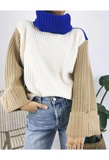 Oversized Colour Block Knit Turtleneck