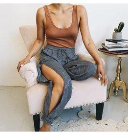 Pantalon fluide avec fentes