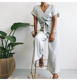 Combinaison texturée à jambe large avec ceinture