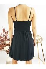 Petite robe avec noeud et boutons sur le devant - Noir