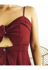 Petite robe avec noeud et boutons sur le devant - Magenta