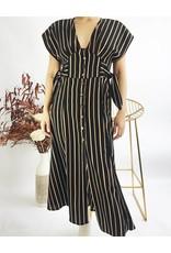 Robe longue boutonnée avec noeuds sur les côtés