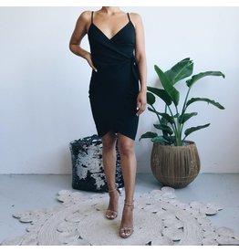 Robe moulante style portefeuille à bretelles - Noir