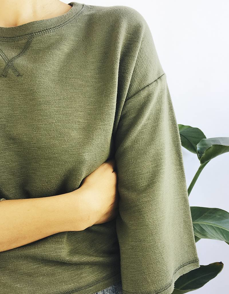 Cropped Sweatshirt with Large Sleeves