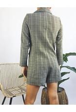 Combishort style veste de costume à motif plaid