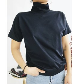 T-shirt manches courtes à col montant