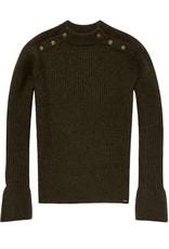 Pull tricoté avec des boutons sur les épaules