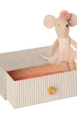 Maileg Maileg - Little Sister Dancing Mouse in Daybed