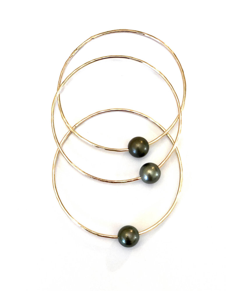 14kt Gold Filled Bangle with Tahitian Pearl