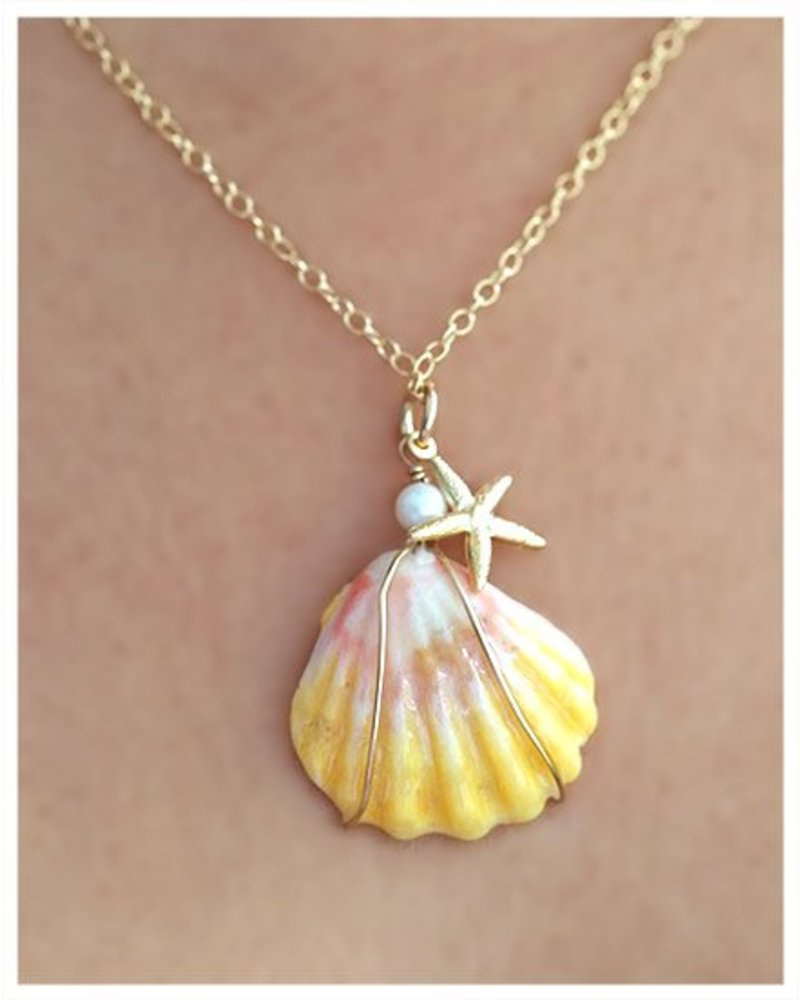 HI ASHLEY MALIA Sunrise Shell w/ Starfish 18in Necklace
