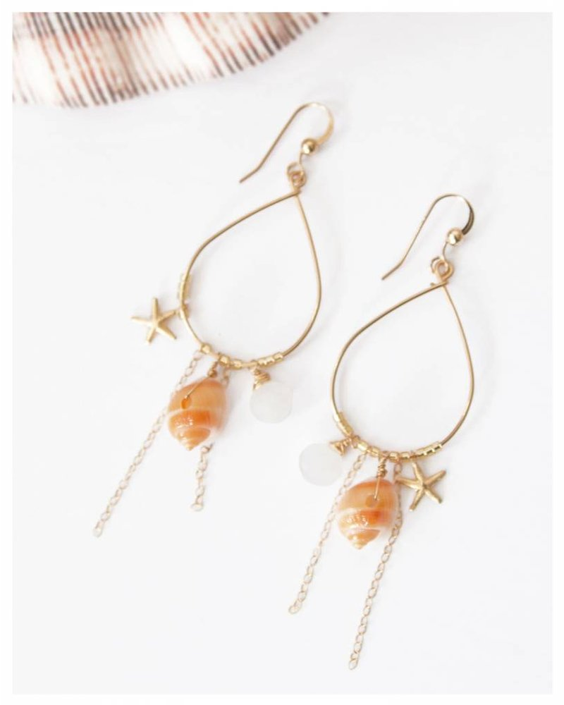 HI KOMAKAI Kamuela Rainbow Moon Earrings
