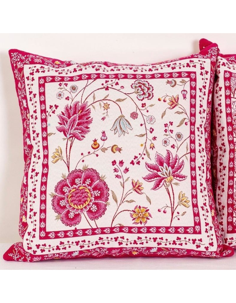 Montespan Jacquard, Fuchsia (Rose)/Ecru Pillow