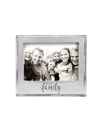 4400WF We Are Family Signature Statement 5x7 Frame