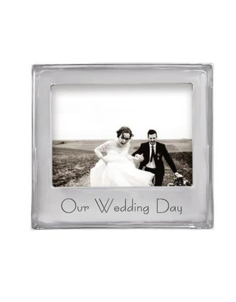 4400OW OUR WEDDING DAY 5x7 Signature Frame