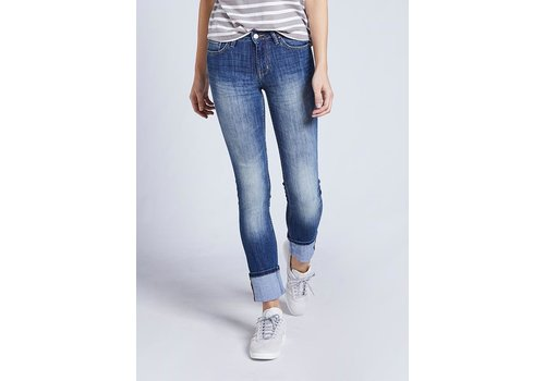 Dish Denim Straight & Narrow