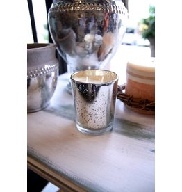 Oak & Willow Magi Gifts - Gilded Frankincense & Myrrh 8 oz Soy Candle