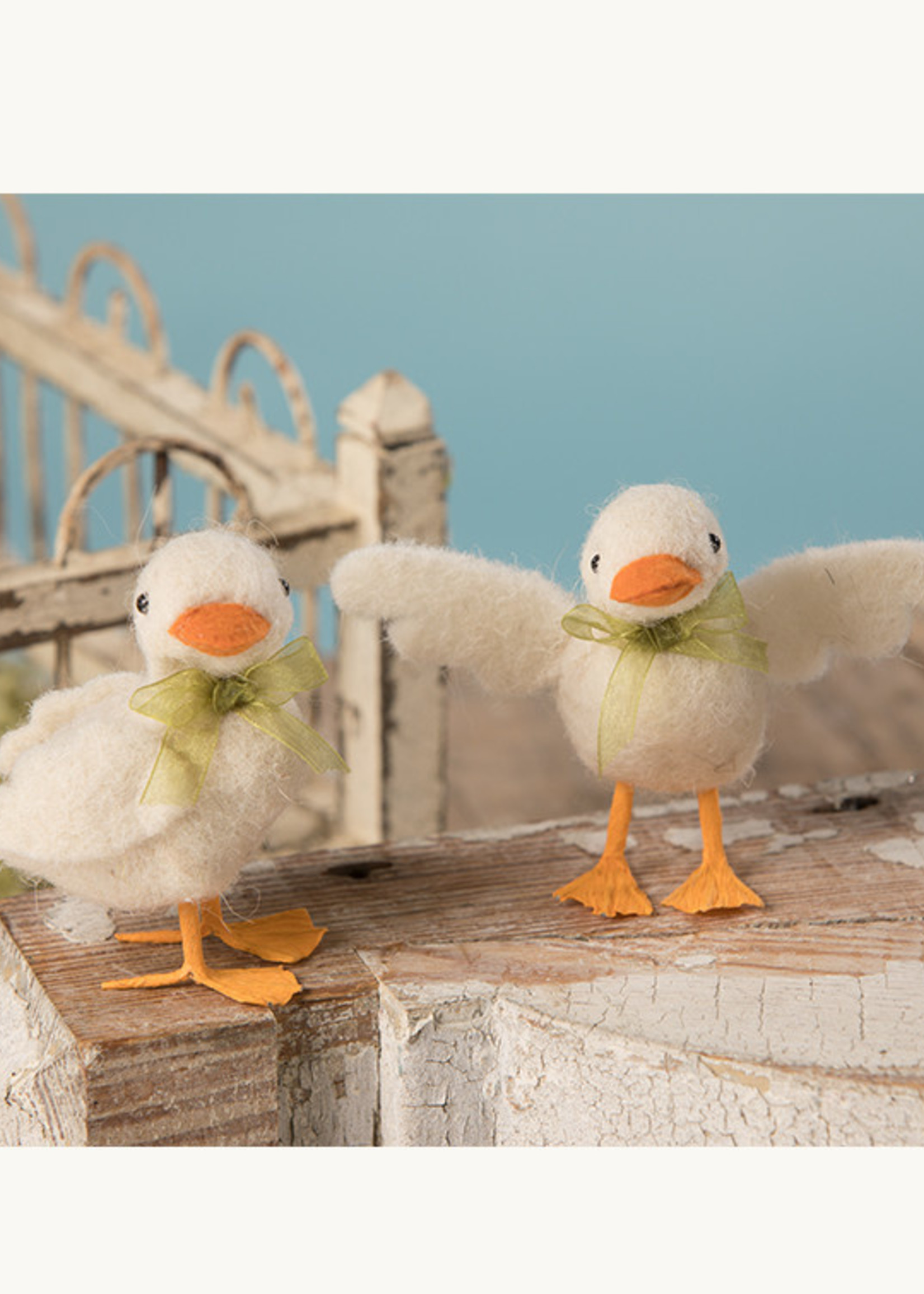 Bethany Lowe Designs White Duckling w/ Green Ribbon Small - Wings Pinned Back