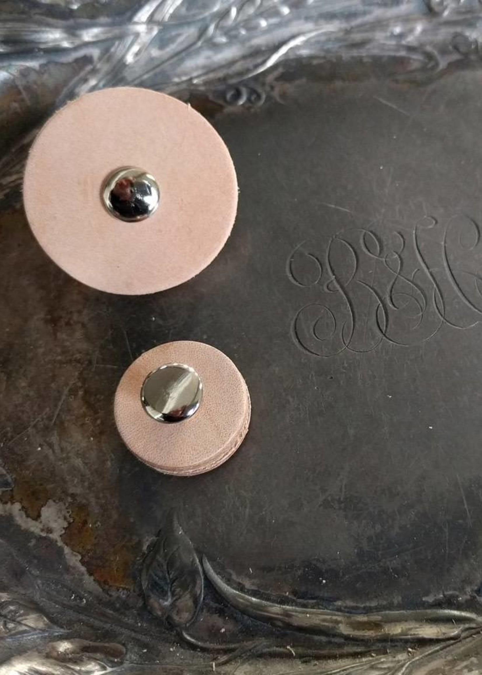 Jul Designs Pedestal Button