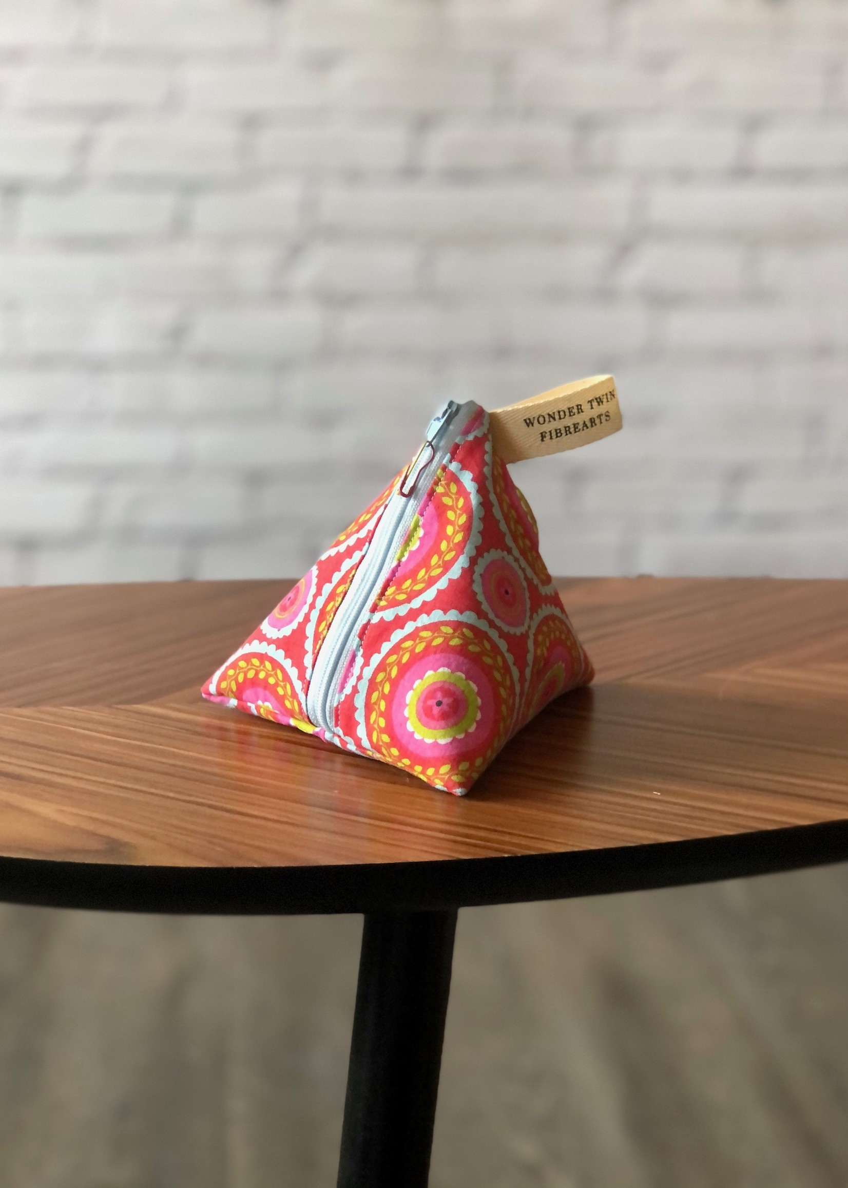 Wonder Twin Fibrearts Fabric Notions Pouch