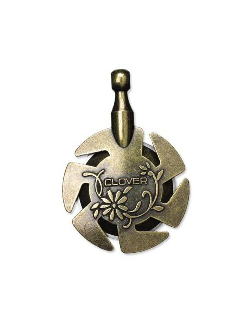 Clover Yarn Cutter Pendant - Gold, Sharp circular blade