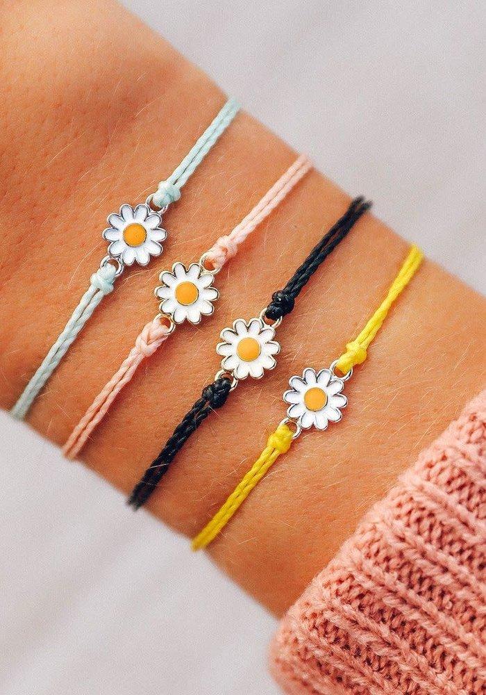 Gold Daisy Bracelet Blush
