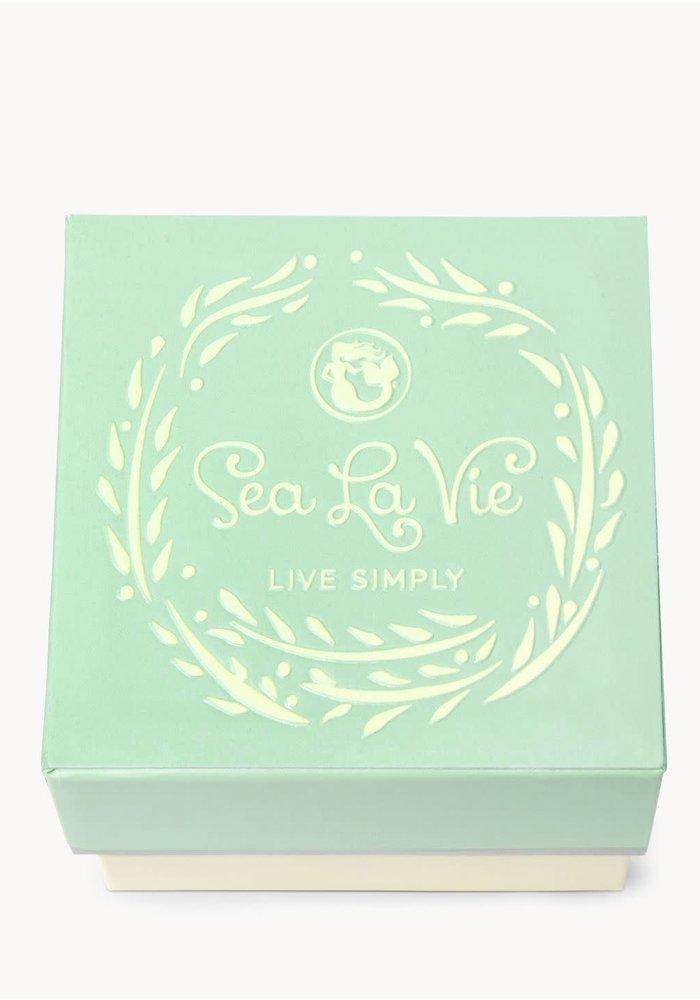 """Sea La Vie """"Grateful"""" Gift Message Earring"""