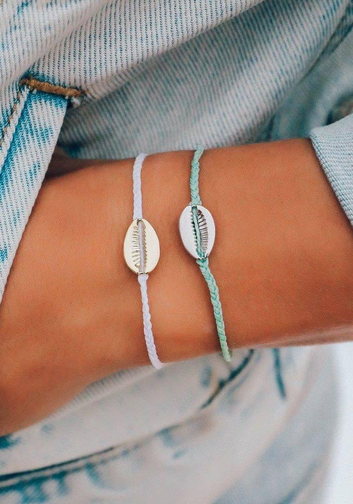 Cowrie Shell Gold Charm Bracelet White