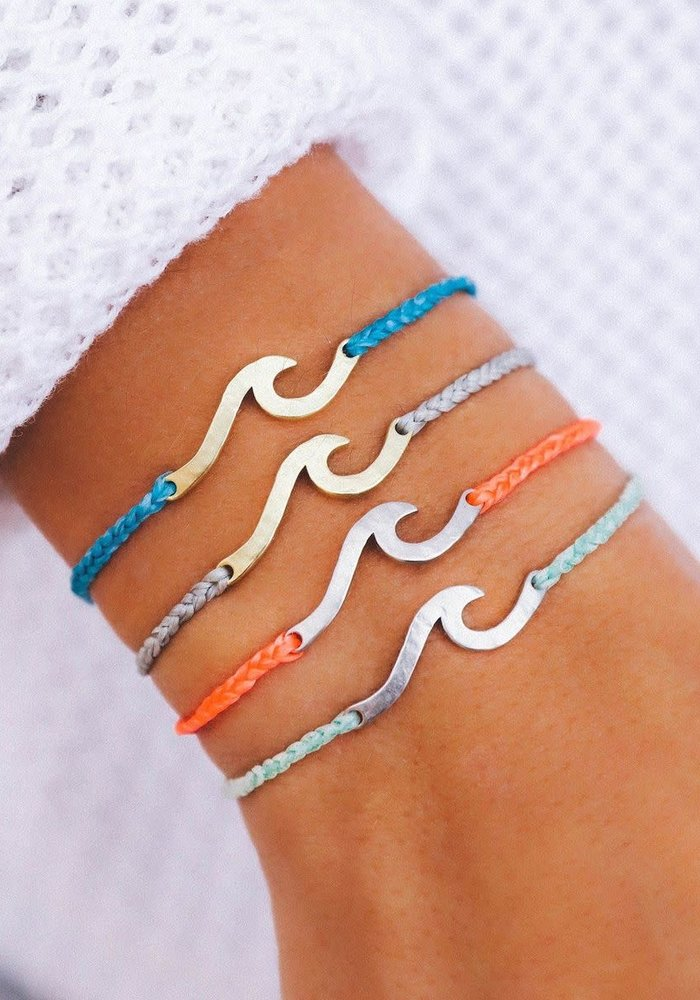 Silver Hammered Wave Charm Bracelet Winterfresh