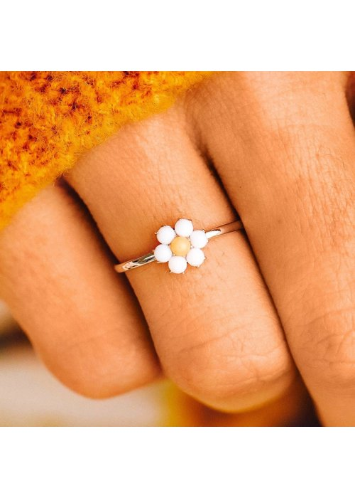 Pura Vida Gemstone Daisy Ring