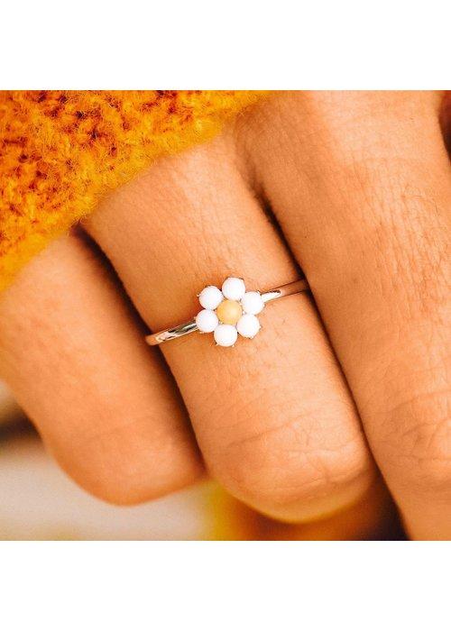 Pura Vida Gemstone Daisy Ring