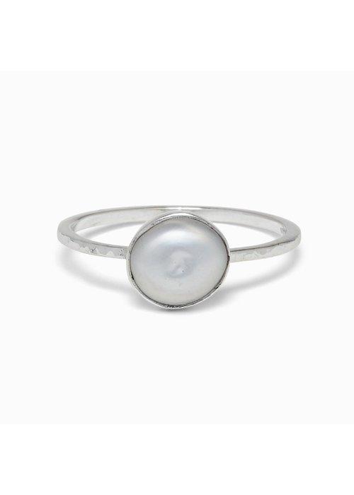 Pura Vida Pretty in Pearl Ring
