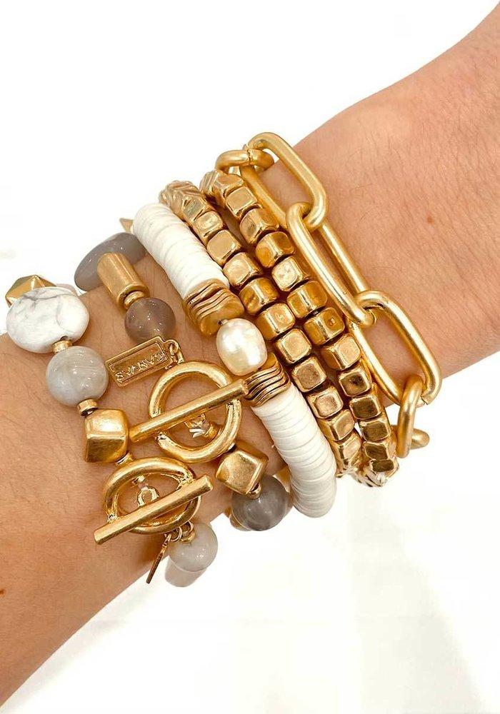 Esme Freshwater Pearl Stretch Bracelet in White