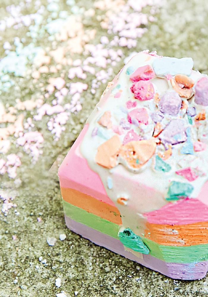 """Rainbow Blast"" Decorated Chalk Set"
