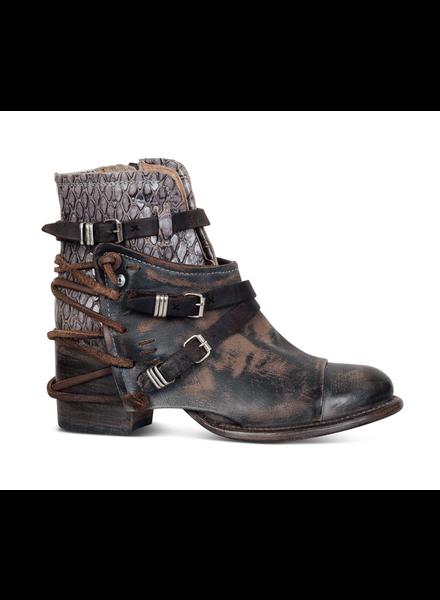 Crue Boots
