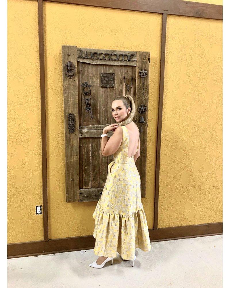 Dolores Promesas DRESS - Dolores Entre Tejidos Amarillos y Dorados  - Size S/36