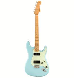 Fender Fender Noventa Stratocaster, Maple Fingerboard, Daphne Blue w/ Deluxe Gig Bag