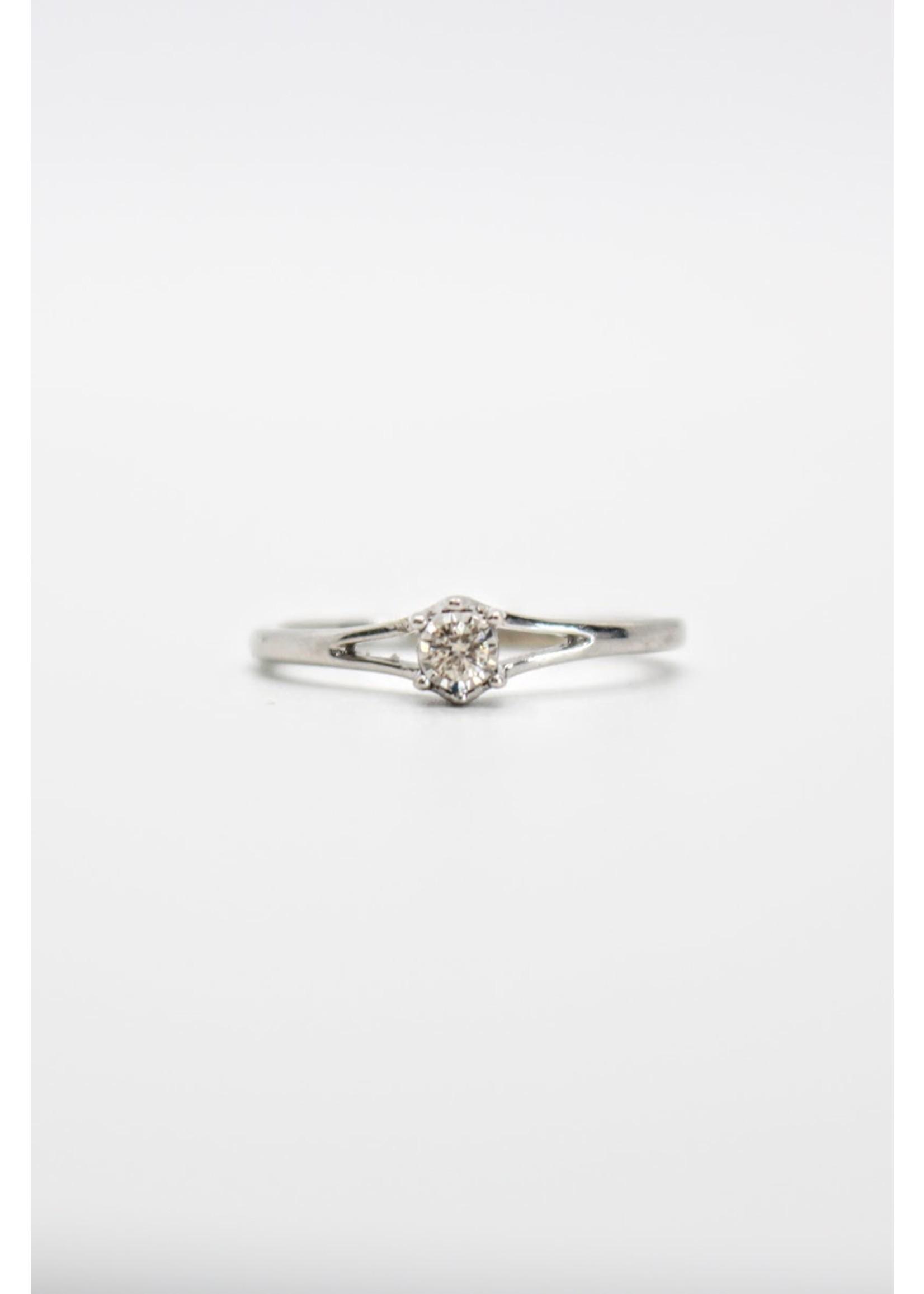 Bague de fiançailles solitaire illusion Or blanc 10K avec diamant