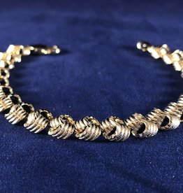Love Knot Moda Gold Bracelet; 14KT Yellow Gold Heavy Thickness, 7""