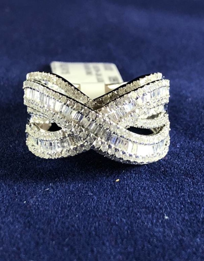 1.63 CTW Infinity Diamond Cocktail Ring; 14KT White Gold