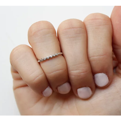 Neuf vingt cinq Bague mi-doigt - La Glorieuse