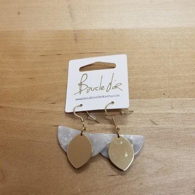 Boucle d'or Boucles d'oreilles- Demi-lune blanche avec feuilles or