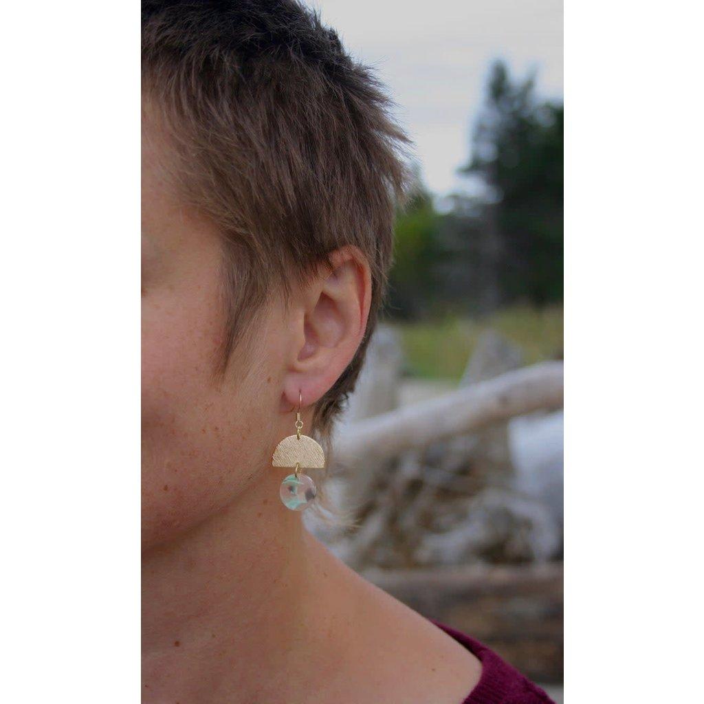 Boucle d'or Boucles d'oreilles - Demi-cercle brossé et cercle acrylique