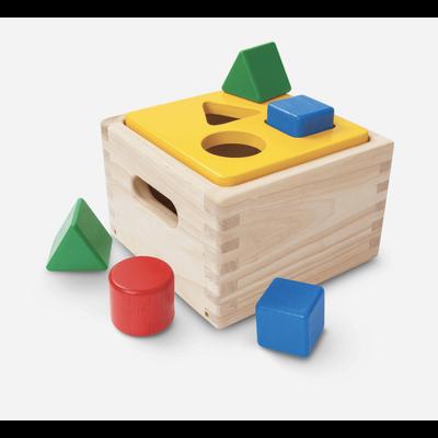 Plan Toys Jouet en bois écologique - Cube avec forme à trier