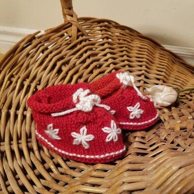 Madame Tricot Pantoufle en tricot rouge pour enfant
