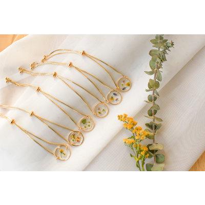 Lilimoon Atelier Bracelet de fleurs séchées en or plaqué