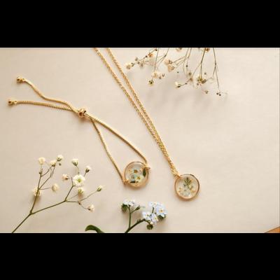 Lilimoon Atelier Collier de fleurs séchées en or plaqué I