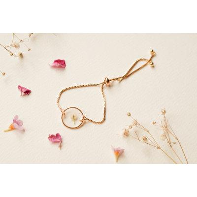 Lilimoon Atelier Bracelet en or plaqué - Fleur séchée blanche