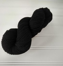 Log House Cottage - Semi-Solids Black