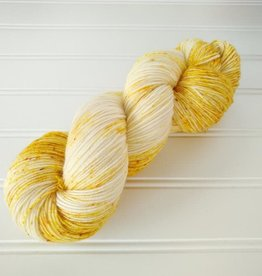 Log House Cottage - Simple Speckles Light - Golden Yellow