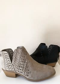 0 Limit Fashion Weekend Black Bootie